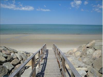 This Bay Beach is just a stroll away through a private path. - DISBRE 107456 - Brewster - rentals