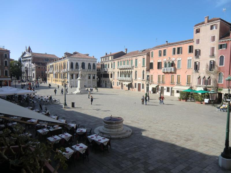 View of the square from the windows - MOROSINI, contemporary chic - Venice - rentals