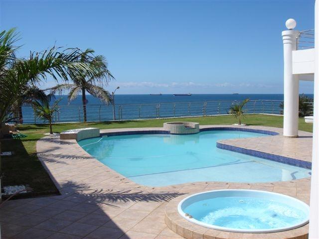 Seashelles Self-Catering (Pool Level) Apartment - Image 1 - Umhlanga Rocks - rentals