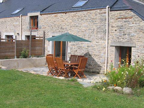 Sun Terrace - LA LUCINE - Petits Papillons Rural Cottages - Josselin - rentals