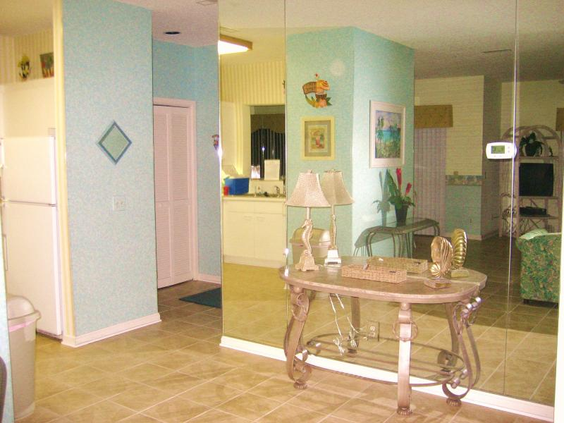 Entrance Area - 1ST FL UNIT Jun-Aug Sat-Sat only-$1100 to $1175/wk - Myrtle Beach - rentals