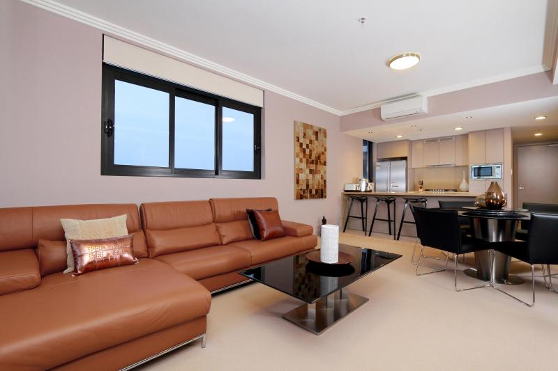 Lounge/Kitchen - Australia Towers - Stylish 1,2 & 3 bedrooms units with stunning views - Sydney - rentals