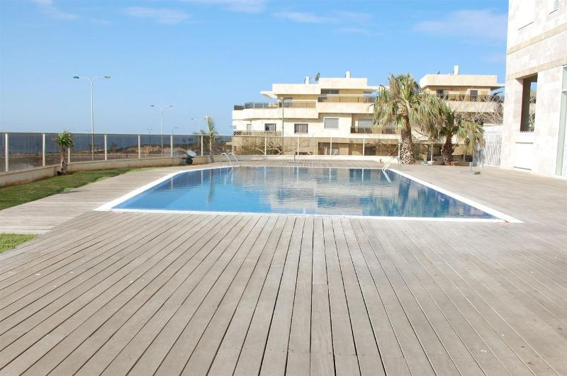 Royal Residence - 2 Bedroom Apartment with Pool, South Beach Netanya - PK01KP - Image 1 - Netanya - rentals