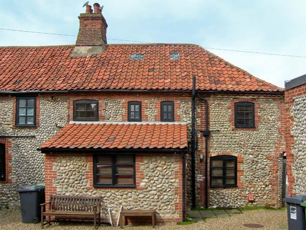 INGLENOOK COTTAGE, flint faced cottage, with gas stove, dog friendly, in Sheringham, Ref 16773 - Image 1 - Sheringham - rentals