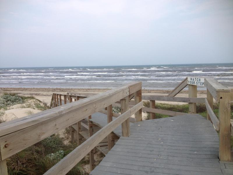 Boardwalk to beautiful beach - La Mirage Condominiums Unit 325 with Ocean View!!! - Port Aransas - rentals
