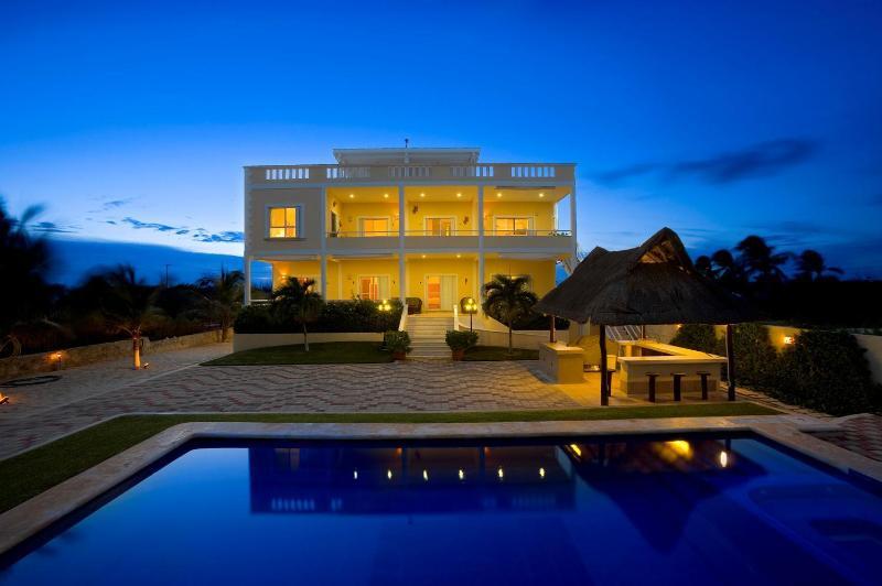 VillaSol y Luna - Full Service OceanFront Villa  with Private Pool - Playa del Secreto - rentals