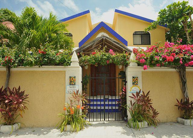 La Buena Vida - Spacious/Modern, 1600sq Home, Pool & Hot tub, AC/King Bed in master/balcony. - Puerto Morelos - rentals
