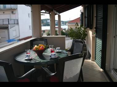 A2(4): terrace - 5634 A2(4) - Okrug Gornji - Okrug Gornji - rentals