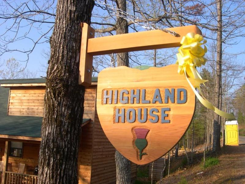 Sign - Highland House - Murphy - rentals