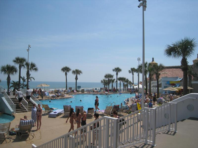 1 BR Ocean Front with  2  Queen Beds, $100/$200 nt - Image 1 - Daytona Beach - rentals