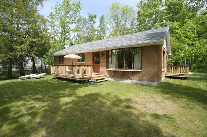 Huron Haven cottage (#712) - Image 1 - Sauble Beach - rentals