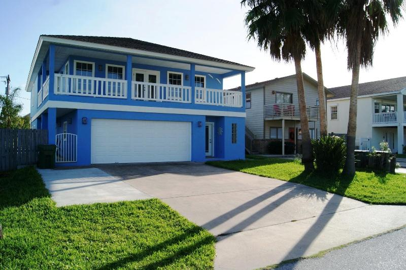 Front view - Blue Heaven Luxurious house with Bayviews - South Padre Island - rentals
