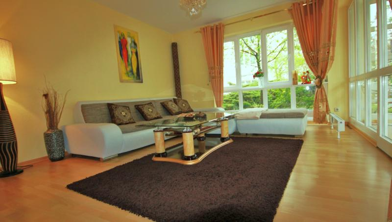 ? Place Yourself At The Center Of Everything ? - Image 1 - Berlin - rentals
