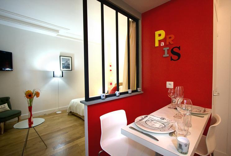 Paris Chic — Romantic Studio Hideaway in Paris - Image 1 - Paris - rentals