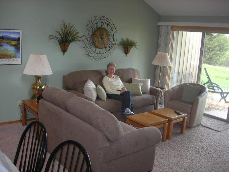Condo Interior - Quelah Condo 102,  Best Views at Sunriver, on Lake - Sunriver - rentals
