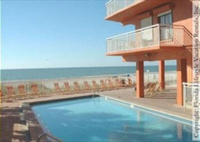 pool - Chateaux Condominium 302 - Indian Shores - rentals