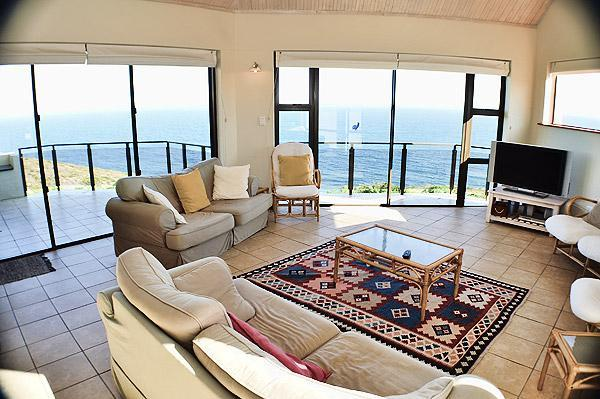 Lounge with 2 balconies and specacular sea-view - See the Sea Villa - Mossel Bay - rentals