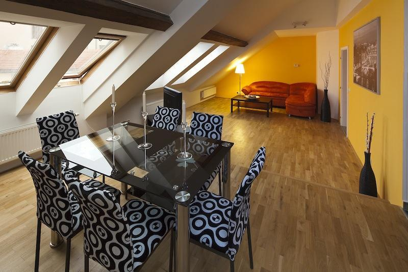 Living room - Fashion 3 Bedroom Apartment in Prague Old Town - Prague - rentals