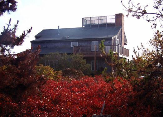 House View - Nantucket 4 Bdrm, Sleep Loft, Jacuzzi, Ocean Views, widow's walk, near beach - Nantucket - rentals