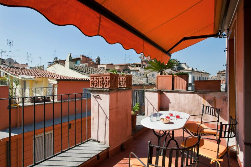 Terrasse with an amazing view on Rome's roofs - Quiet and bright apartment and beautiful balcony - Rome - rentals