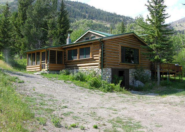 Honey's Cabin - Mountainside Cabins - Honey's - McLeod - rentals