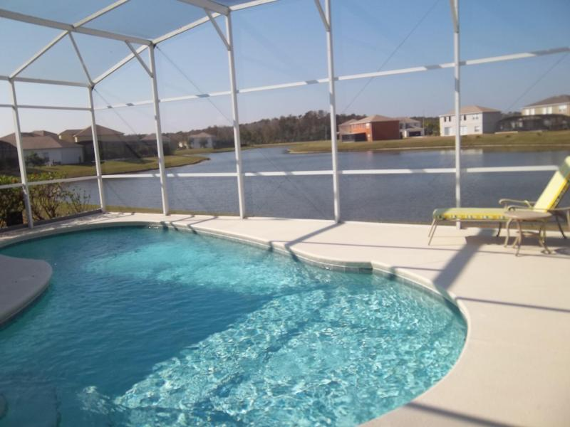 4BR Pool with Lake view, WiFi, BBQ, minutes to FUN - Image 1 - Orlando - rentals