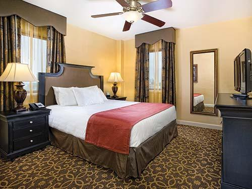 Avenue Plaza-1bdrm - New Orleans Condo near FRENCH QUARTER! GREAT RATES - New Orleans - rentals