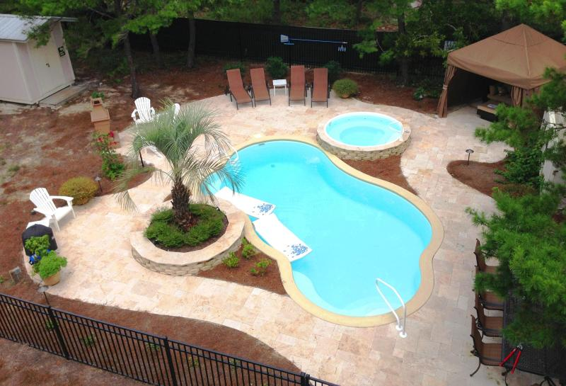 Private pool, spa, dining, lounging and grill as well as a shed with all the beach chairs and bikes. - 'Gone Gulfing', Private Pool & Spa, 4 Ensuite BRs - Santa Rosa Beach - rentals