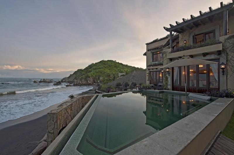Sunsets at Villa Escondida - Luxury Beachfront Villa in the Oaxacan Riviera - Huatulco - rentals