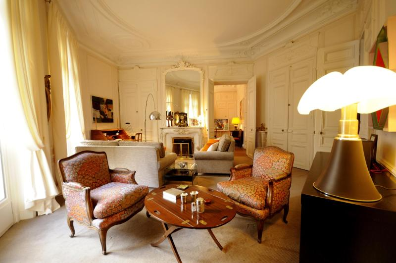 Luxurious living room - Haussmann Palace - Paris - rentals