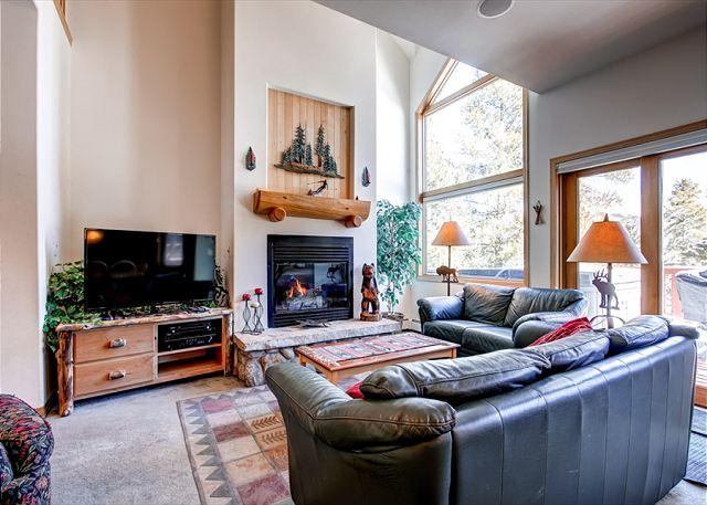 Pines Townhome Living Room Ski-in/Ski-Out Breckenridge Lodging - Pines 113 Ski-in/Ski-out Townhome Hot Tub Breckenridge Colorado - Breckenridge - rentals