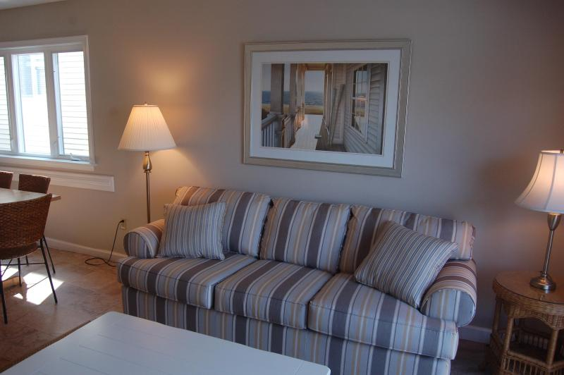 Living Room with queen sofabed - North Ocean City, Beach Block Condo - Ocean City - rentals