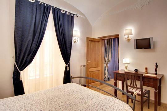 Colosseo Elegance *** Cocoon Spacious, great comfort (ROME) - Image 1 - Rome - rentals