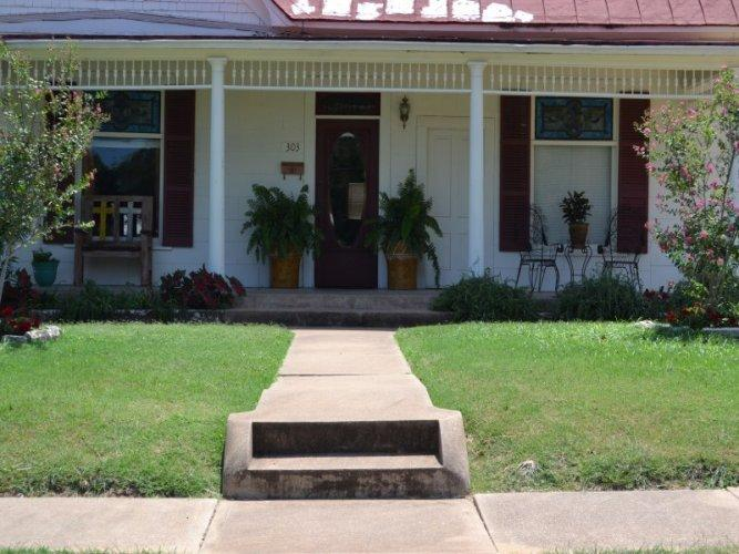 Olivia's - Image 1 - Fredericksburg - rentals