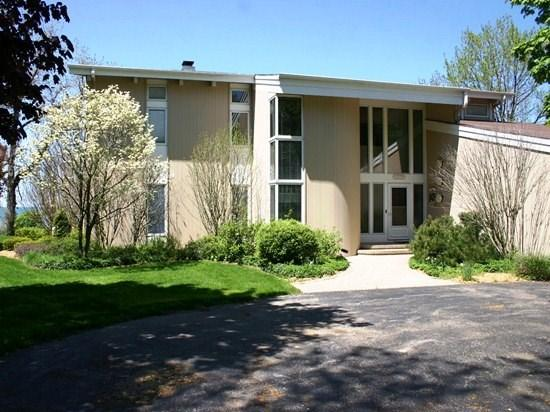42 North Shore Drive North - 42 North Shore North - Weekly stays begin on Saturdays - South Haven - rentals