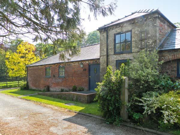 DOVECOTE COTTAGE, character, single storey, pet welcome, walled garden, in Sigglesthorne near Hornsea Ref 16791 - Image 1 - Hornsea - rentals
