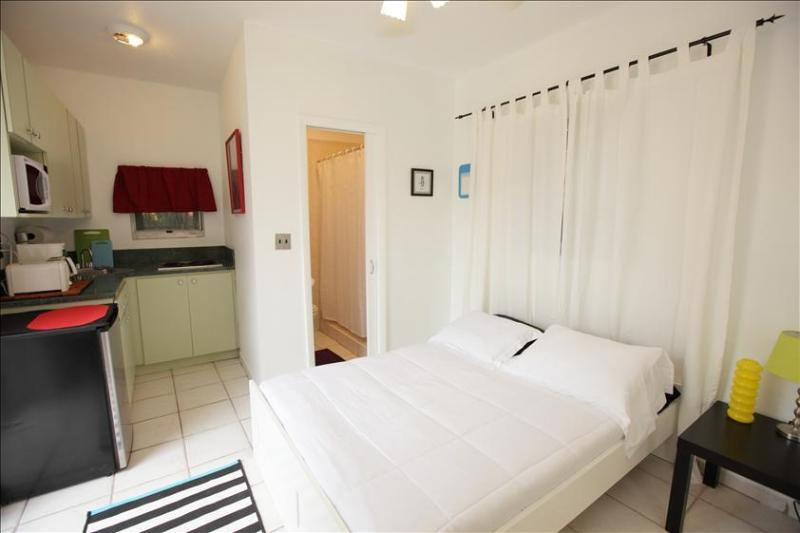 Affordable Miami Studio With Kitchen - Image 1 - Coconut Grove - rentals