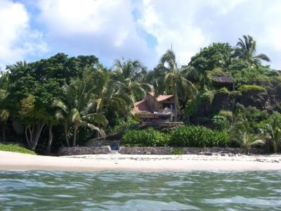 Villa on private surfing beach: prices for 2-10 pp - Image 1 - La Cruz de Huanacaxtle - rentals