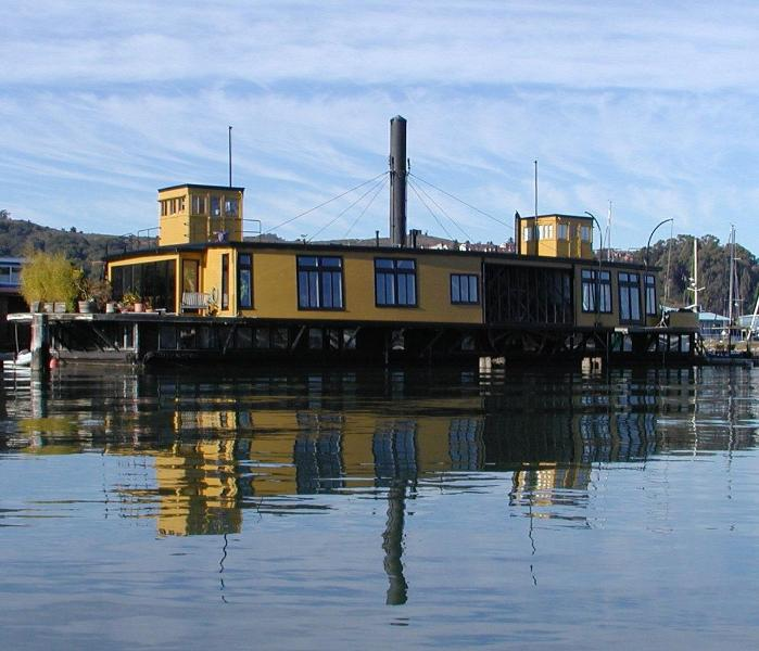 Yellow Ferry on a fall morning - Most Spectacular Houseboat in Sausalito - Sausalito - rentals