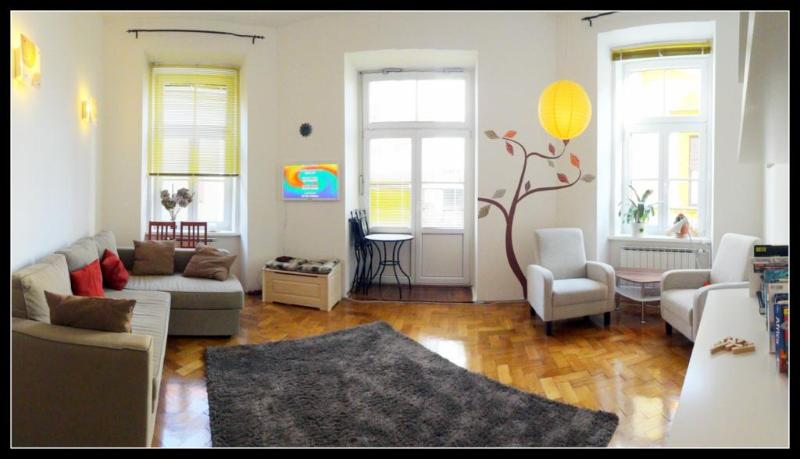 Bright living space with comfortable sofa-bed - MARIBOR City Apartment, Central & Cute Balcony - Maribor - rentals
