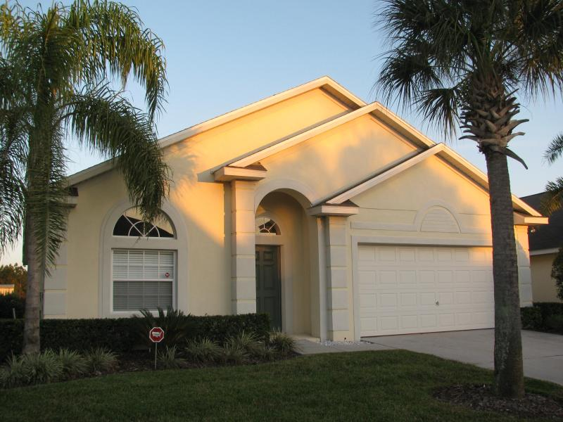 Front View - 4BR/3BA 2 Master Suites Pool Home - Luxury Vacation 4BR/3BA Pool Home in Disney Area - Clermont - rentals