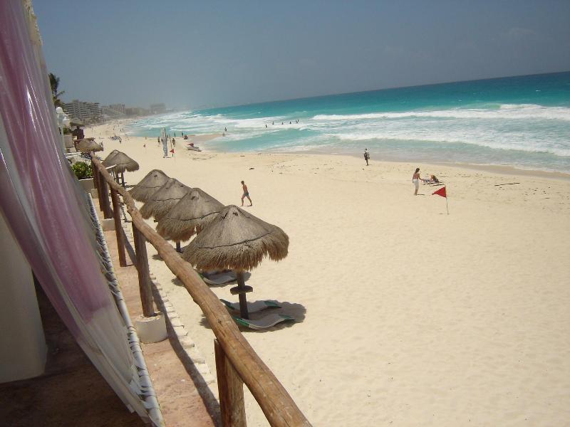 CONDOMINIO EN LA PLAYA PARA 4 PERSONAS EN CANCUN!! - Image 1 - Cancun - rentals