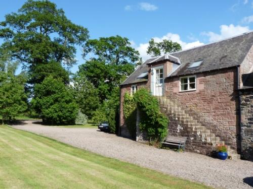 GRANARY COTTAGE, Minto, Scottish Borders - - Image 1 - Minto - rentals