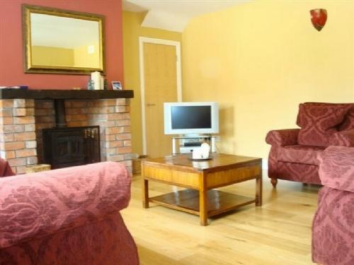 THE BARN, Meath Country Cottages, Co Meath, Ireland - - Image 1 - County Meath - rentals