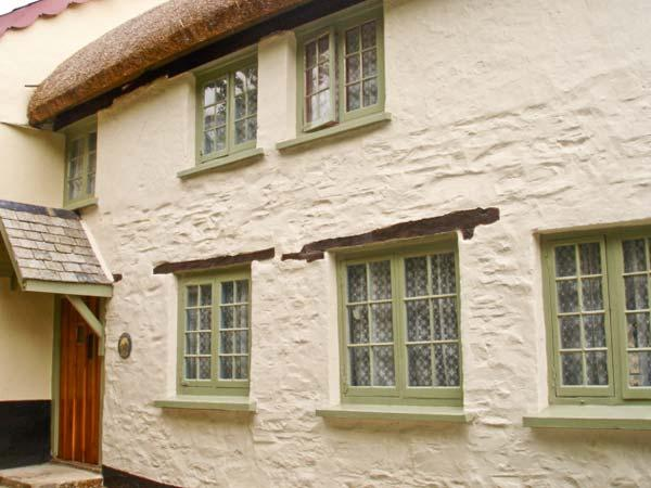 BLOOMFIELD COTTAGE, thatched cottage, with two bedrooms, enclosed garden, in Tawstock, Ref 16069 - Image 1 - Devon - rentals