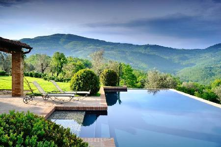 Villa San Paolo with magnificent 360° views, extensive private grounds & perfect pool - Image 1 - Umbria - rentals