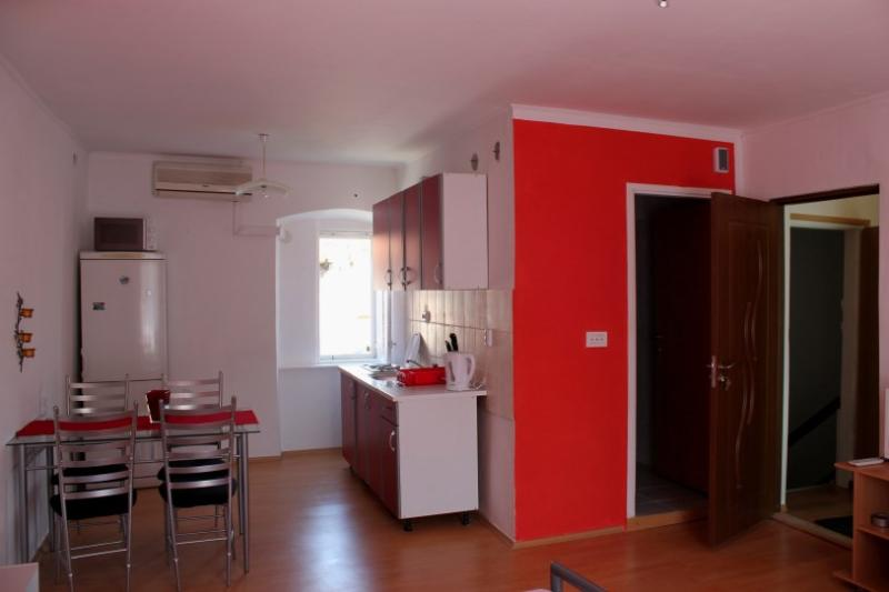 Center of the old town studio apartment - Image 1 - Trogir - rentals