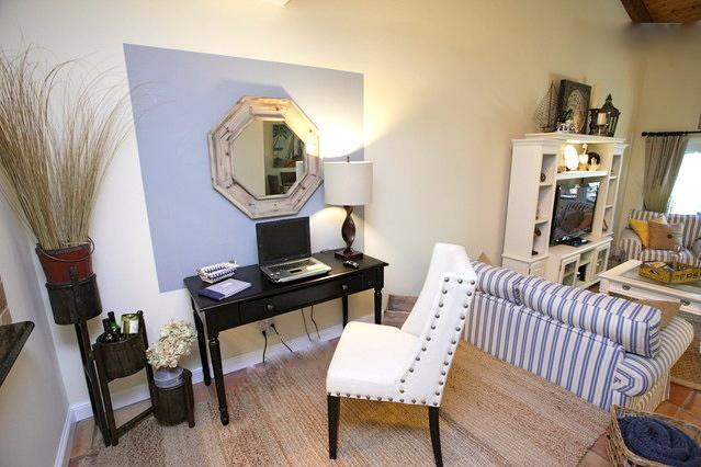 Office Area Off Of Kitchen And Living Room - Fort Lauderdale Walk To Beach, In Victoria Park - Fort Lauderdale - rentals