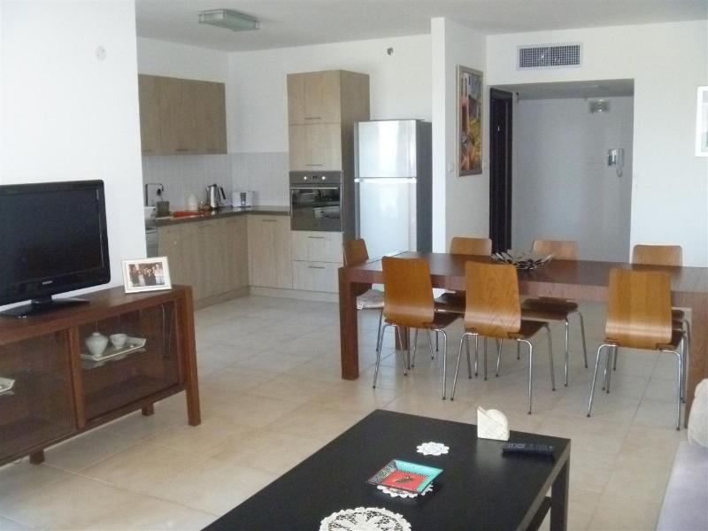 Beautiful 3 bedroom apartment, Ir Yamim, Netanya - Image 1 - Netanya - rentals