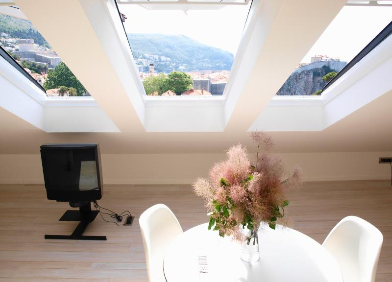 Contemporary studio decorated to a high standard of minimal ultra- modern design - Nid d Amour | Modern Studio with Panoramic Views! - Dubrovnik - rentals